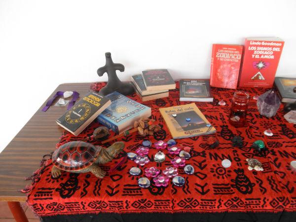 Altar del V Encuentro de mujeres: sentir el Universo y el cosmos