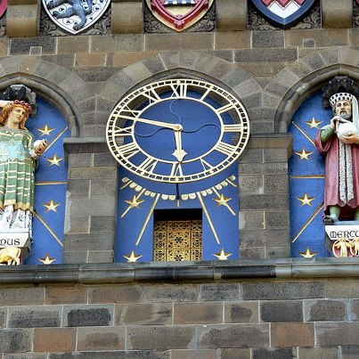 Las imágenes de Venus y Mercurio en la catedral de Cardif (Gales) Inglaterra
