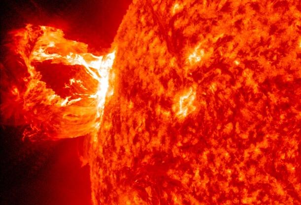 Llamarada solar, domingo 15 de marzo